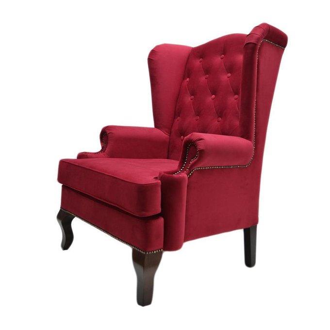 Каминное кресло с ушами в обивке из велюра красного цвета