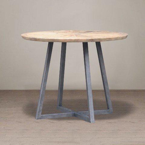 обеденный стол из дерева и металла