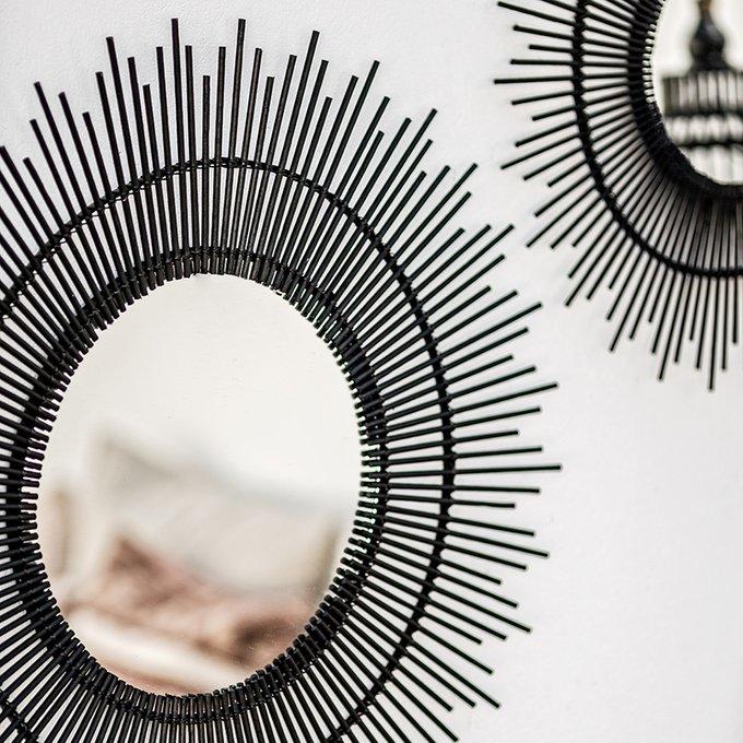 Настенное зеркало Firelle в раме черного цвета