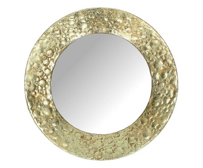 Подвесное зеркало в раме золотого цвета