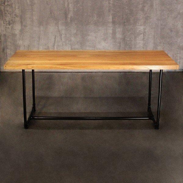 Обеденный стол из массива дуба и металлического каркаса