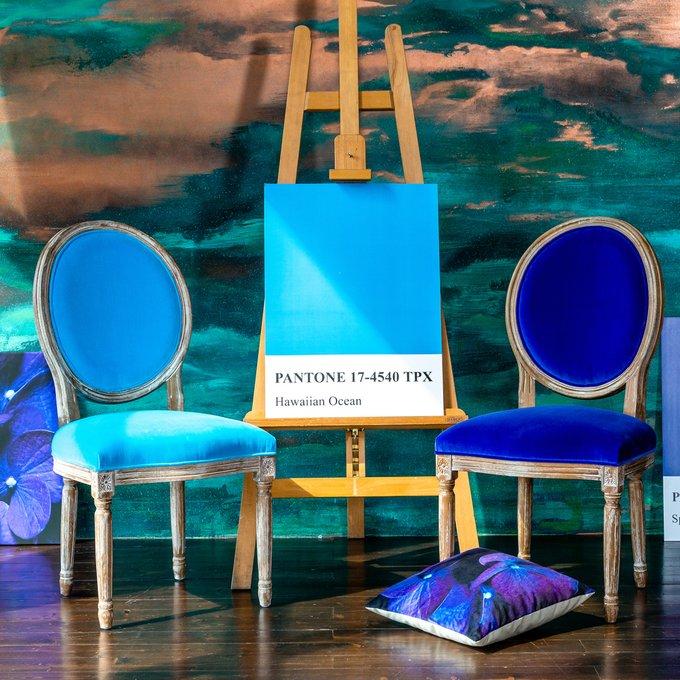 Стул Луи Лазурный берег в обивке из велюра бирюзового цвета