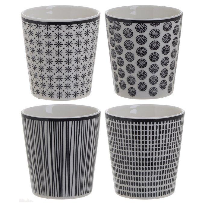 Набор из четырех чашек бело-черного цвета