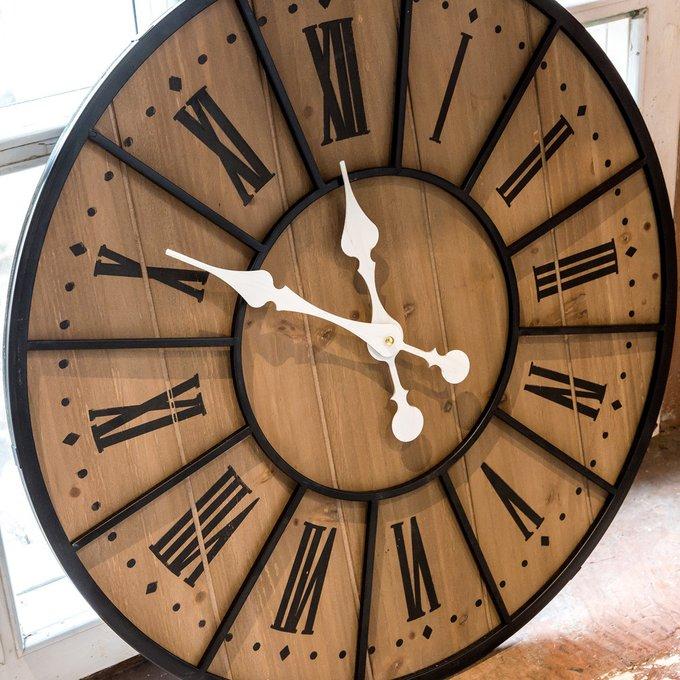 Настенные часы Де-Вилль из дерева