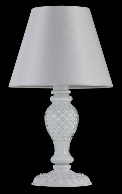 Настольная лампа Contrast с абажуром белого цвета