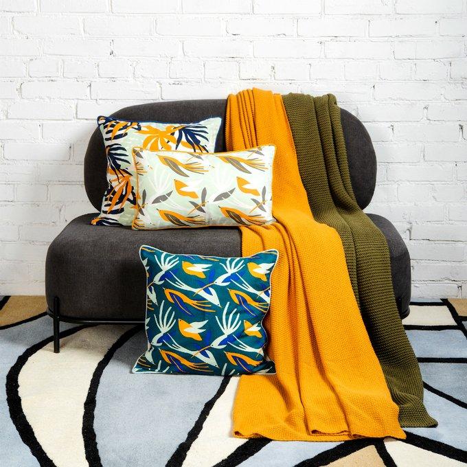 Чехол для подушки Wild зеленого цвета с дизайнерским принтом Birds of Nile