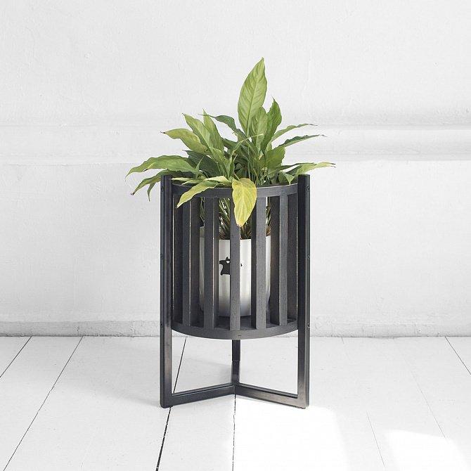 Кашпо Куг в черном цвете