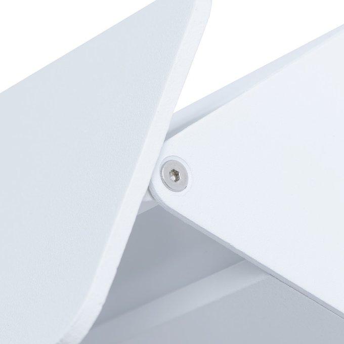 Настенный светодиодный светильник белого цвета