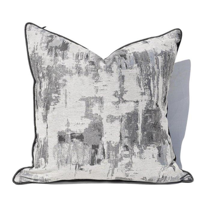 Декоративная подушка Cascade серого цвета