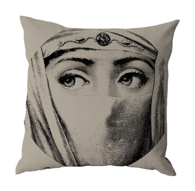Подушка с портретом Лины Пьеро Форназетти Traditions
