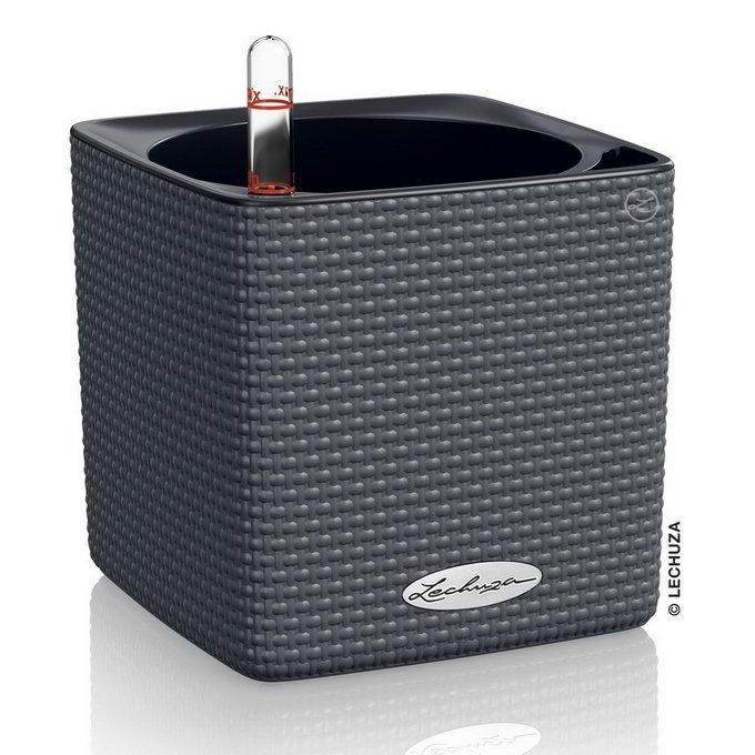 Кашпо Cube темно-серого цвета с системой полива