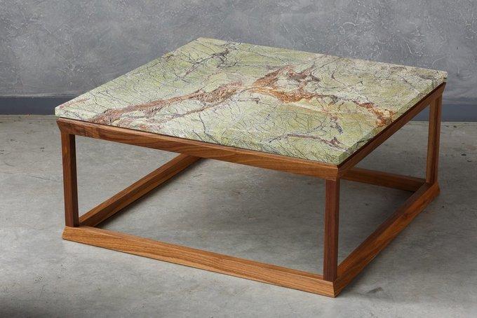 Журнальный столик из массива американского ореха и мрамора
