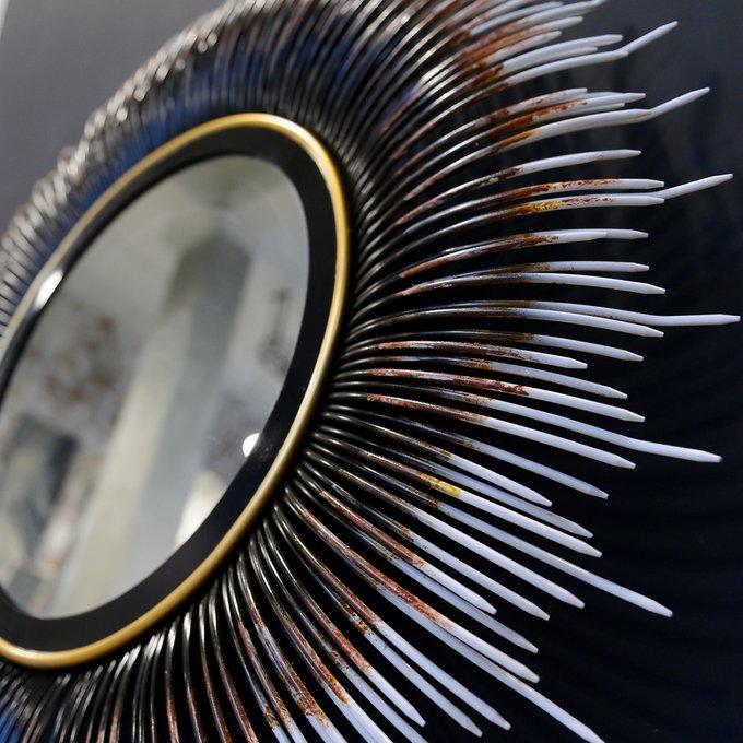 Настенное зеркало Медея в металлической раме