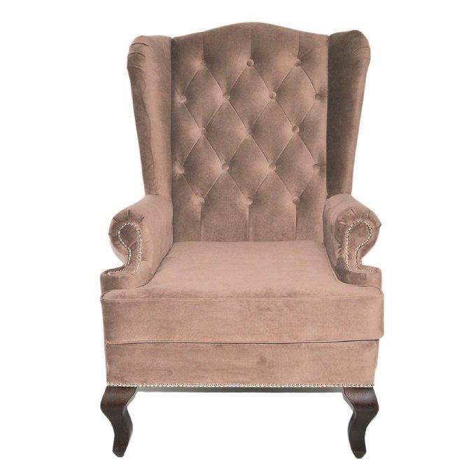 Каминное кресло с ушами коричневого цвета