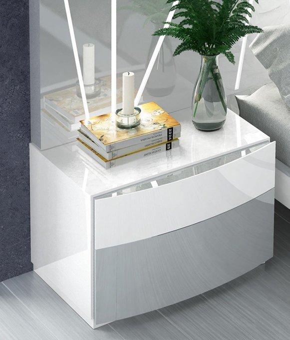 Прикроватная тумбочка серо-белого цвета
