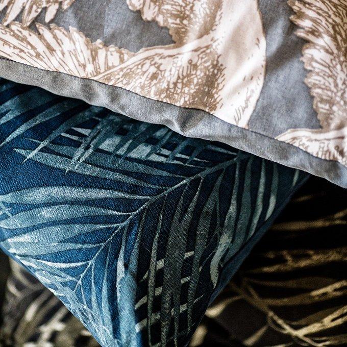 Декоративная подушка Laguna с принтом из пальмовых листьев