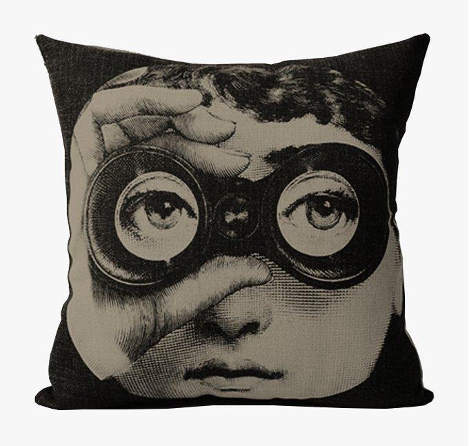 Подушка с портретом Лины Пьеро Форназетти Spy