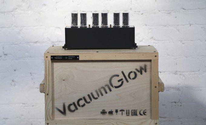 Ламповые часы VacuumGlow VENEZE Deep Black Violet