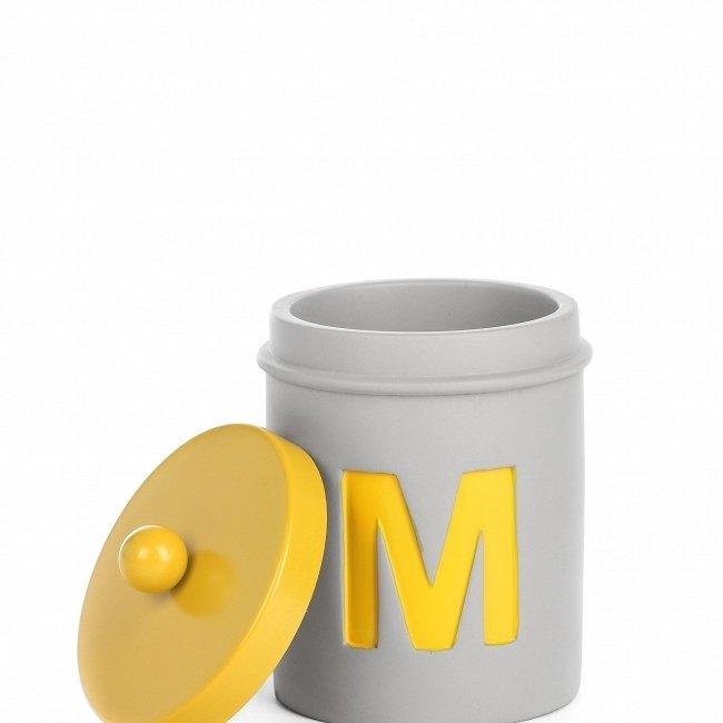 Подсвечник буква 'М' из бетона