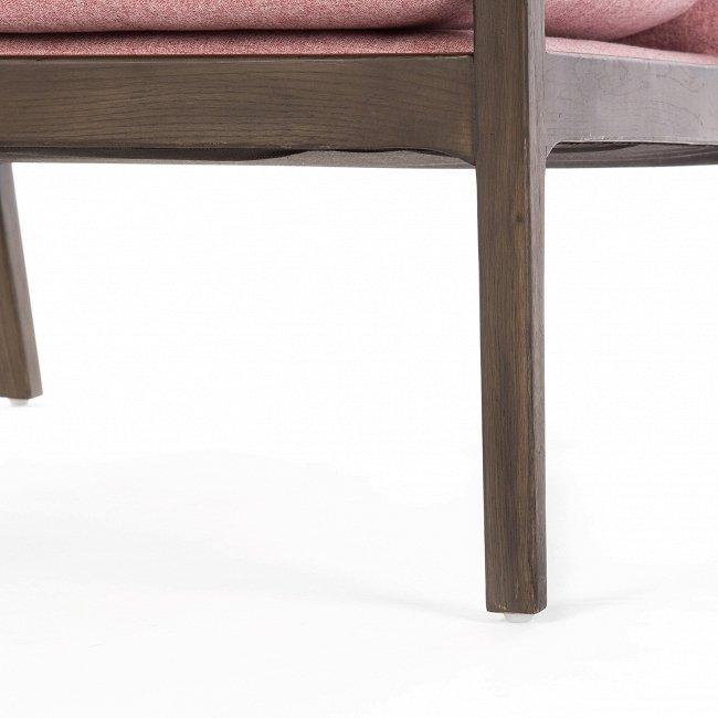 Кресло Earl Chair розового цвета