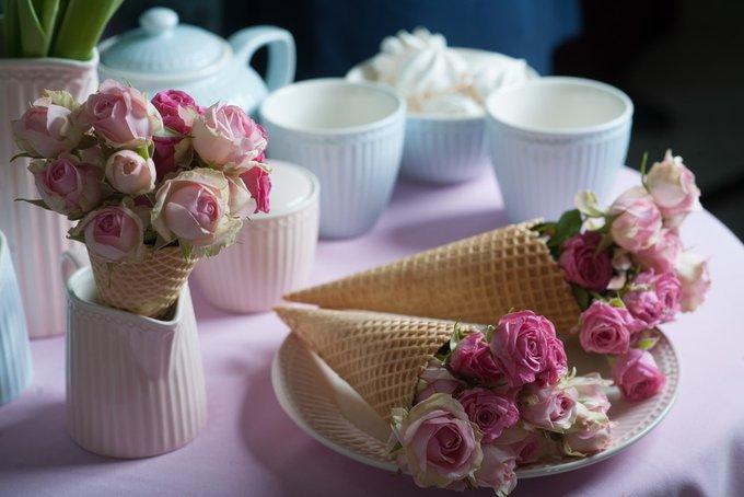 Молочник Alice pale pink из фарфора