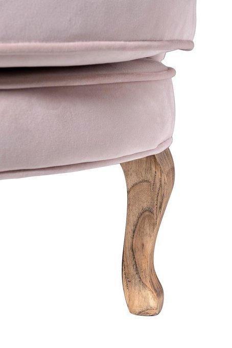 Кресло велюровое розового цвета