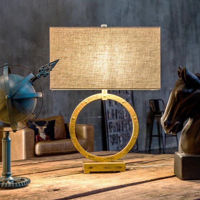 Настольная лампа Омега с бежевым абажуром