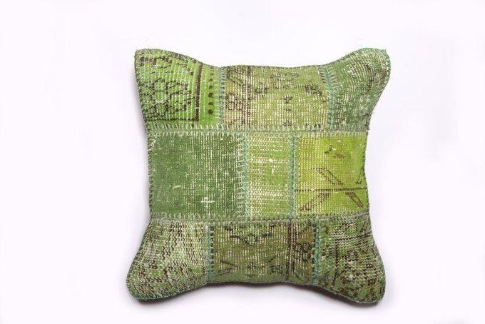 Подушка  декоративная из шерсти