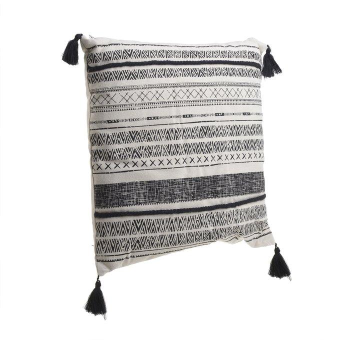 Подушка с кисточками
