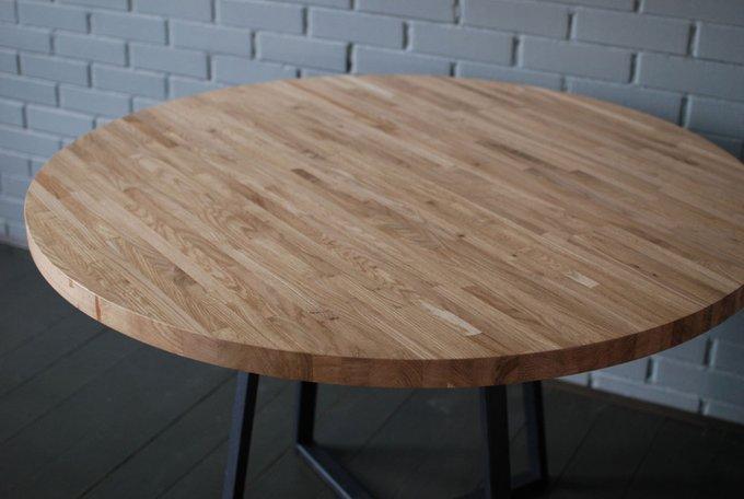 Круглый стол Oak Round Plus из массива дуба и металла