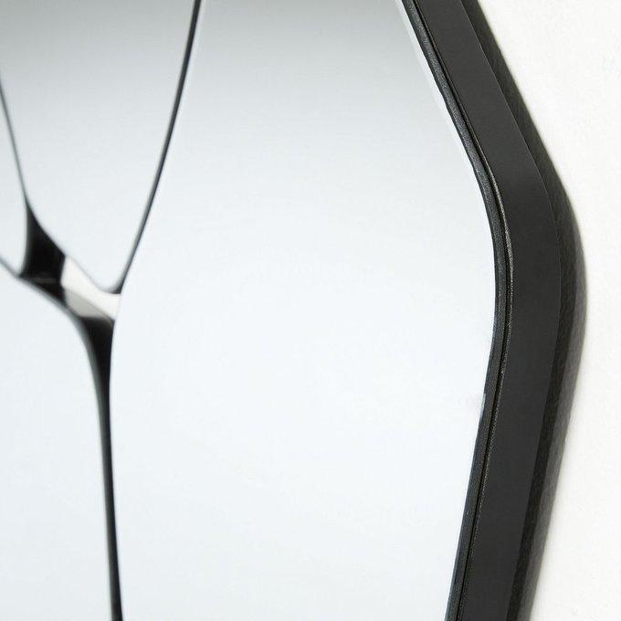 Настенное зеркало Stancy с металлическим основанием