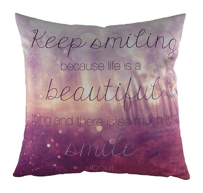 Подушка с принтом Keep Smiling