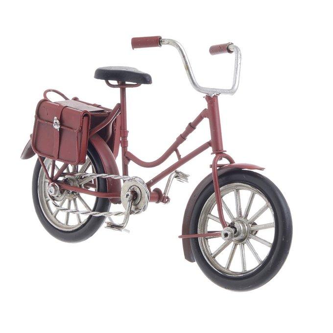 Модель велосипед красного цвета
