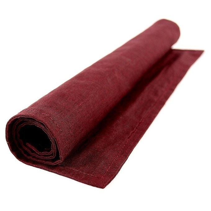 Двухсторонняя салфетка под приборы из умягченного льна бордового цвета