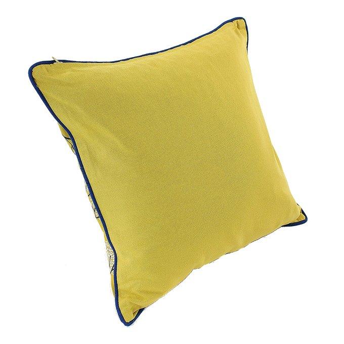 Чехол для подушки Сибирский цветок с вышивкой и декоративной окантовкой