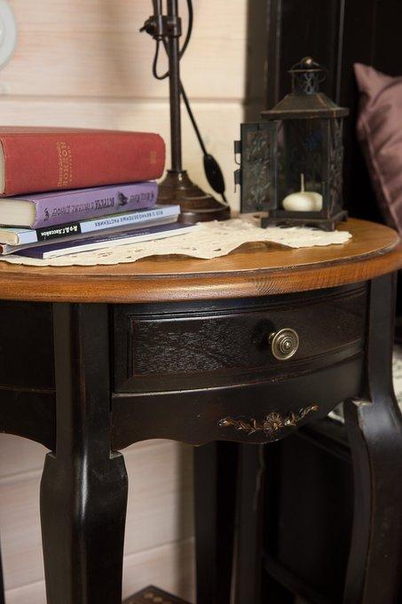Приставной журнальный столик из дерева