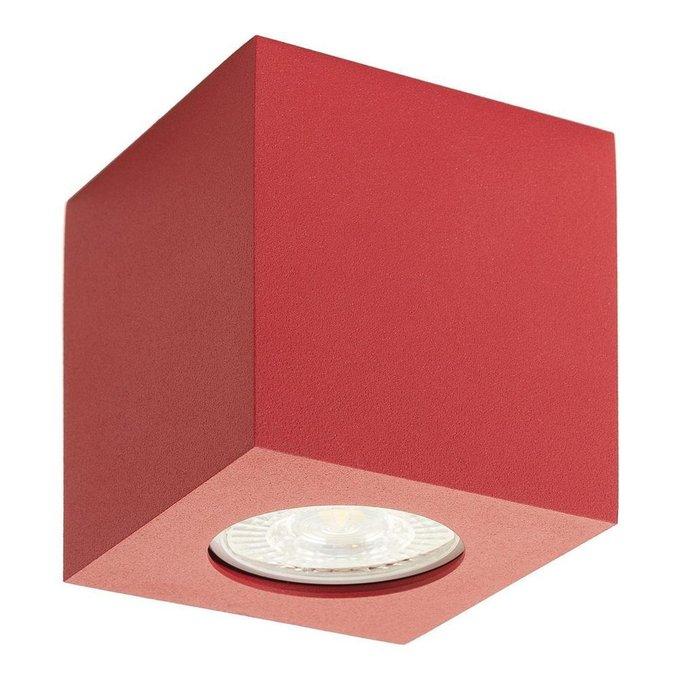 Потолочный светильник из металла красного цвета