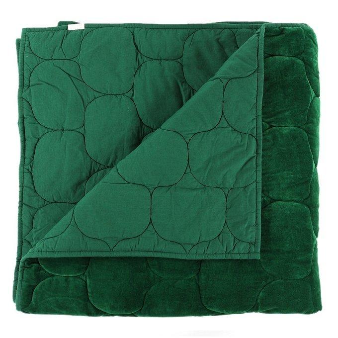 Покрывало стеганое бархатное Хвойное утро зеленого цвета 230х250