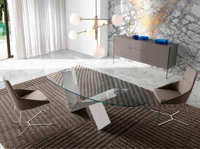 Овальный обеденный стол со стеклянной столешницей
