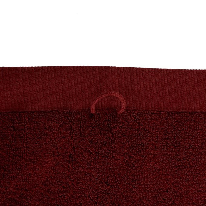 Полотенце банное из хлопка бордового цвета