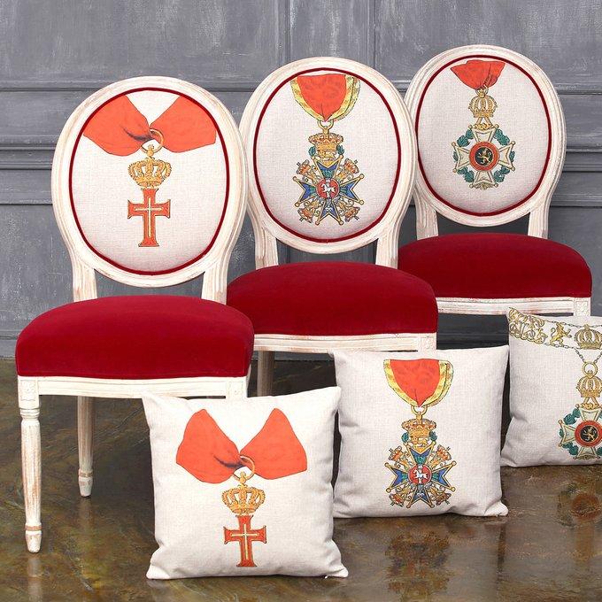 Стул Орден Леопольда I Бельгия с сиденьем и спинкой красного цвета