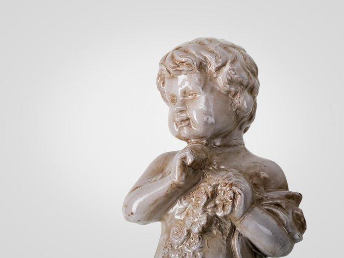 """Статуэтка из глазурованной керамики """"Ангел с цветами"""""""