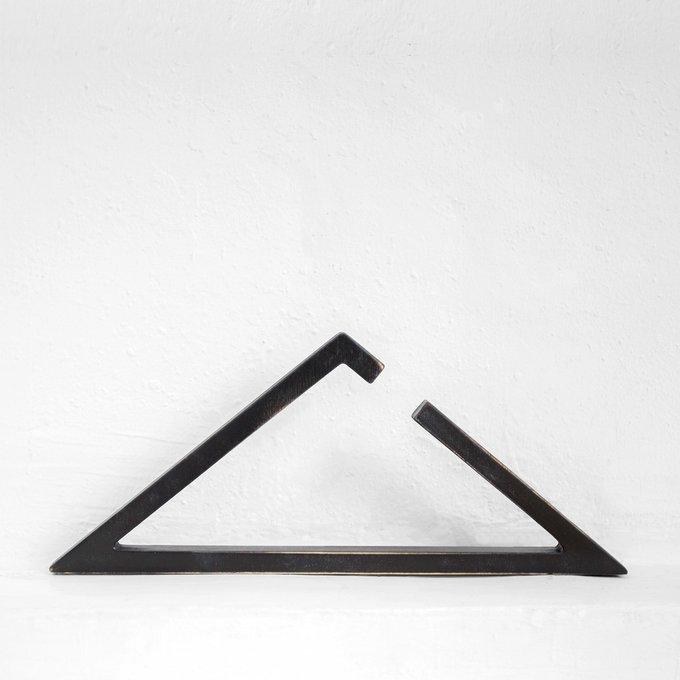 Набор из шести вешалок Треугольник в черном цвете