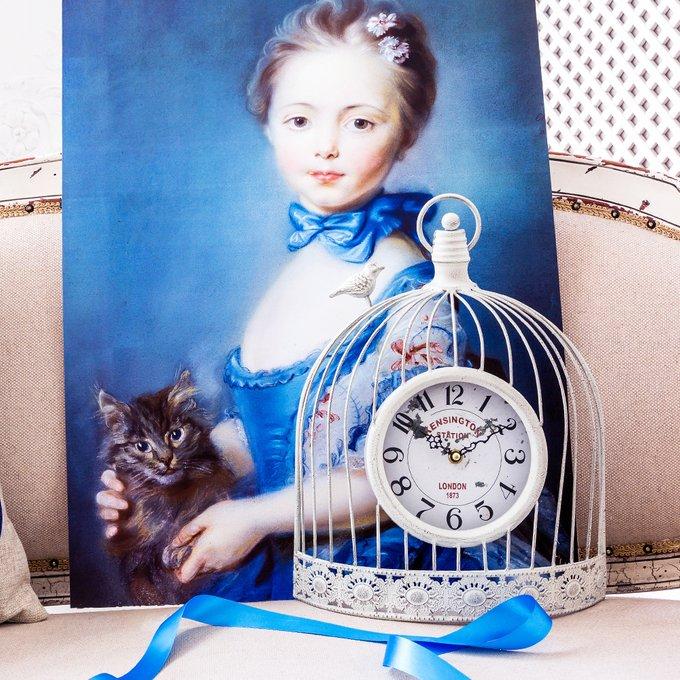 Часы Волшебный сад белого цвета