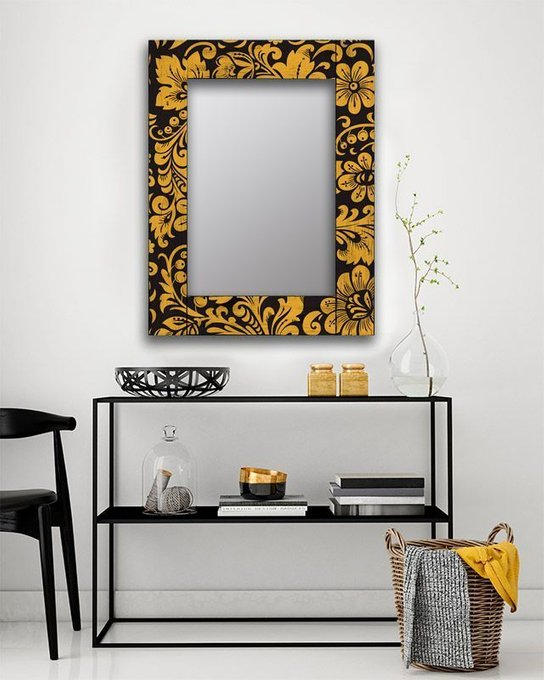 Настенное зеркало Желтые цветы в раме из массива сосны 80х80