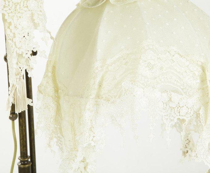 Торшер Jago с кружевными абажурами белого цвета