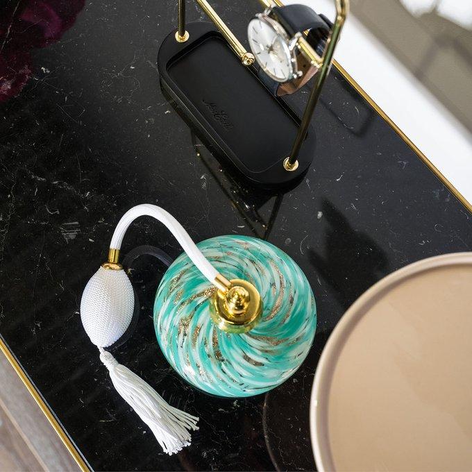 Консоль золотистого цвета с чёрной мраморной столешницей
