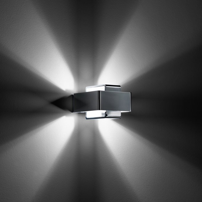 Вращающийся настенный светильник Fabbian Bijou