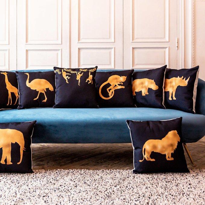 Интерьерная подушка Золотой носорог 45х45