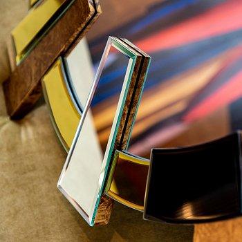 Настенное зеркало Сьюприм из разноцветных сегментов